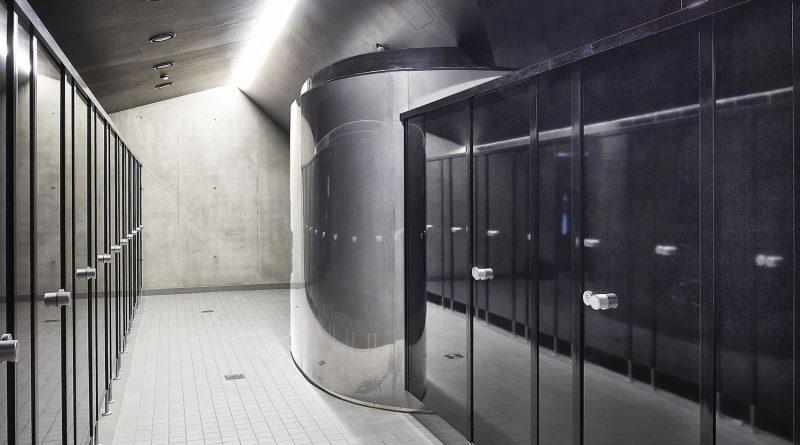 cronus in Sonderausführung schwarze Hochglanzfarbe mit schwarzen Profilen 01