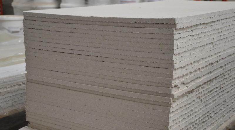 Trockenbauplatte aus reinem Ton